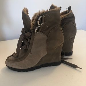 Guess wedged winter boots